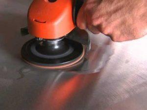 معالجة الخدوش بإستخدام الصنفرة
